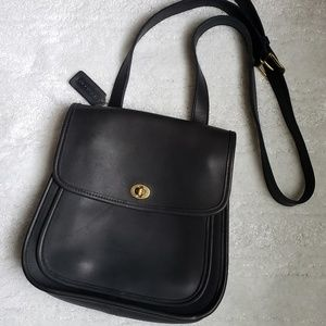 Vintage Coach 1995 Black Leather Station Purse